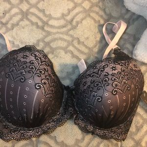 Other - New 40 DDD bra, pink with black lace overlay